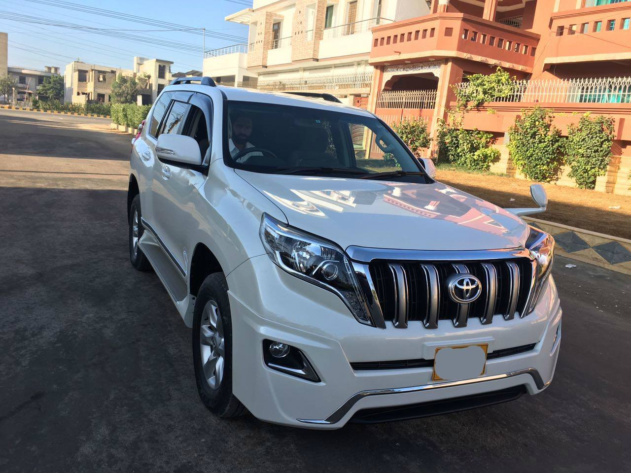 Rent a car service in defence karachi